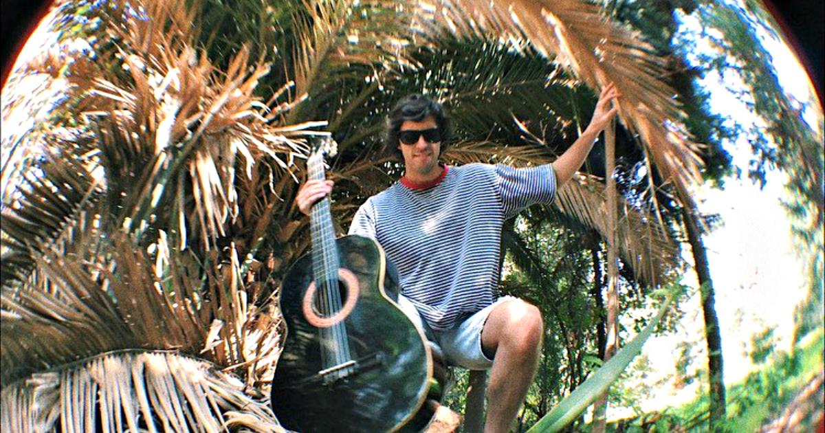 Desde Chile, conoce a Juani Mustard y mira «Stay at home», su nuevo videoclip