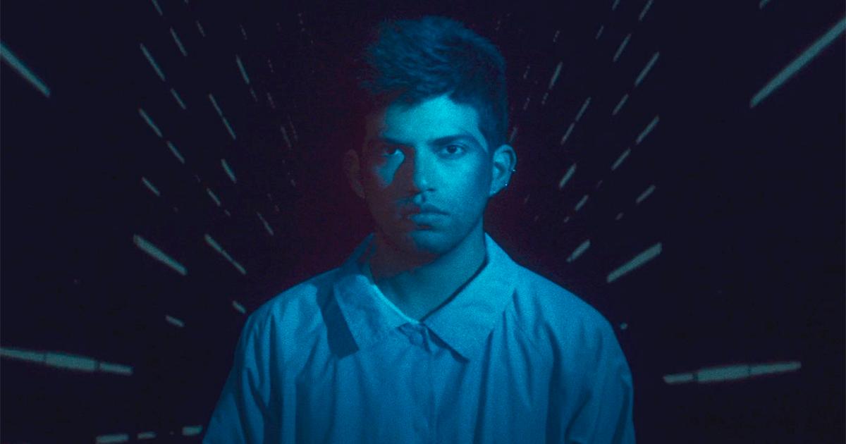 Conoce a Roberto Bermeo y mira su videoclip «La Luna»