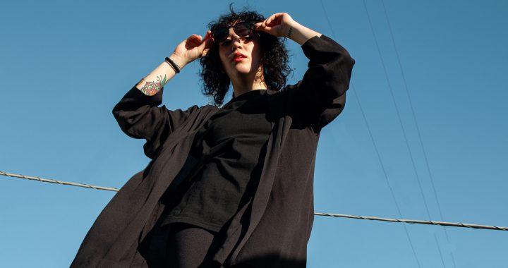 Conocé a Antonia Navarro y su nuevo disco «Lucidez», sonidos oscuros y bailables