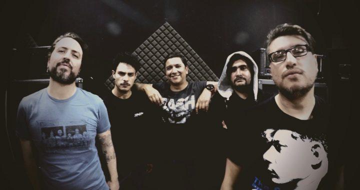 La banda colombiana Blast55 les canta la tabla a los políticos con «Falsos héroes»