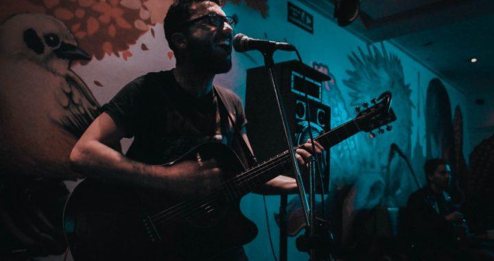 El artista colombiano Parachute lanza su canción 'Estoy mejor'