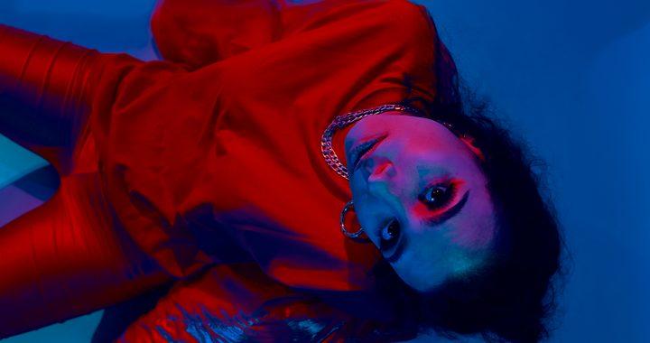 NATI le da play a su R&B latino con «No puedo parar», su single debut