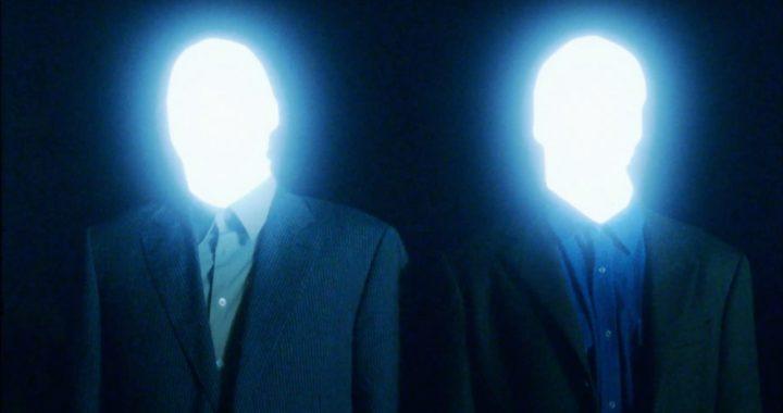 Dos seres de luz generan pánico tras su aparición en varias ciudades latinoamericanas