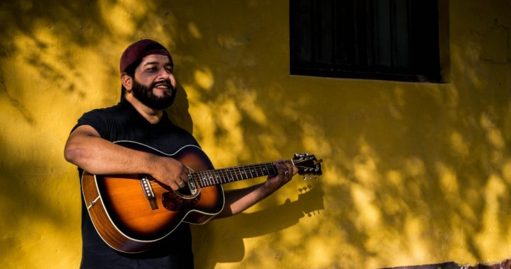 """Escucha """"Tu Sonrisa"""", el más reciente tema del músico liberteño Carlos Harley"""