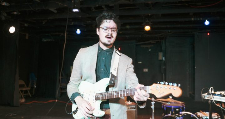 El panameño Daniel Jácome le canta a las adversidades en 'Contratiempo'