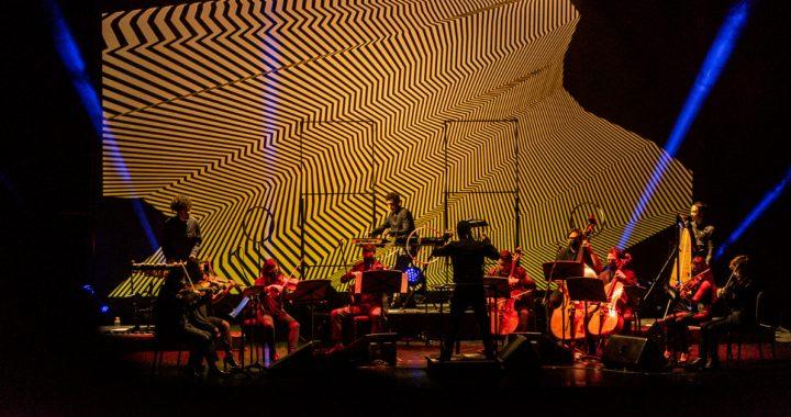 Shock presenta: Lo que (se) fue, un espectáculo de Julio Victoria y La Nueva Filarmonía